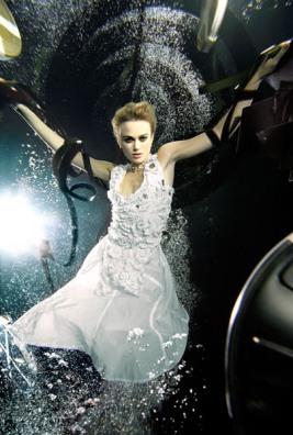 keira-underwater