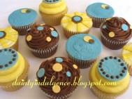Contemporary Dots Cupcakes