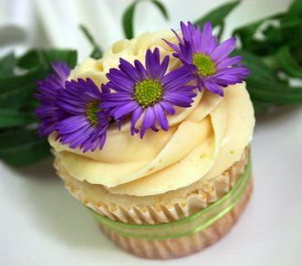 cupcakes-nouveau-purpleflowers1