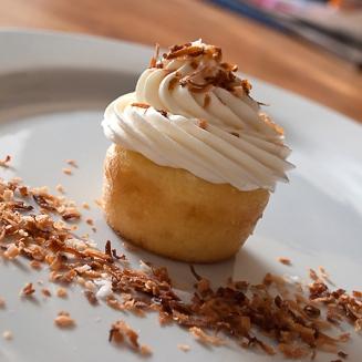 Pineapple-cupcake-large-450