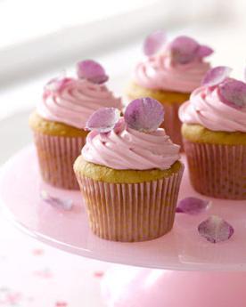 rose-petal-cupcakes_slideshow_image