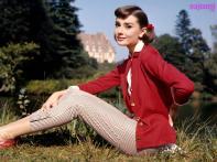 Audrey-Hepburn-1600X1200-329